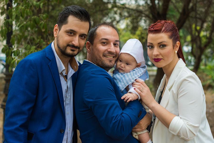 Γονείς και Νονός του Αλέξανδρου μετά τη Βάπτιση